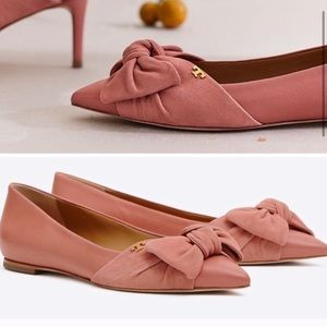 TORY BURCH ELEANOR FLAT  * Leather and suede upper